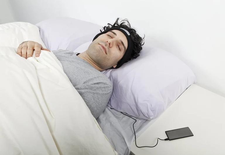 Fall Asleep 'SleepPhones' Let You Fall Asleep Using